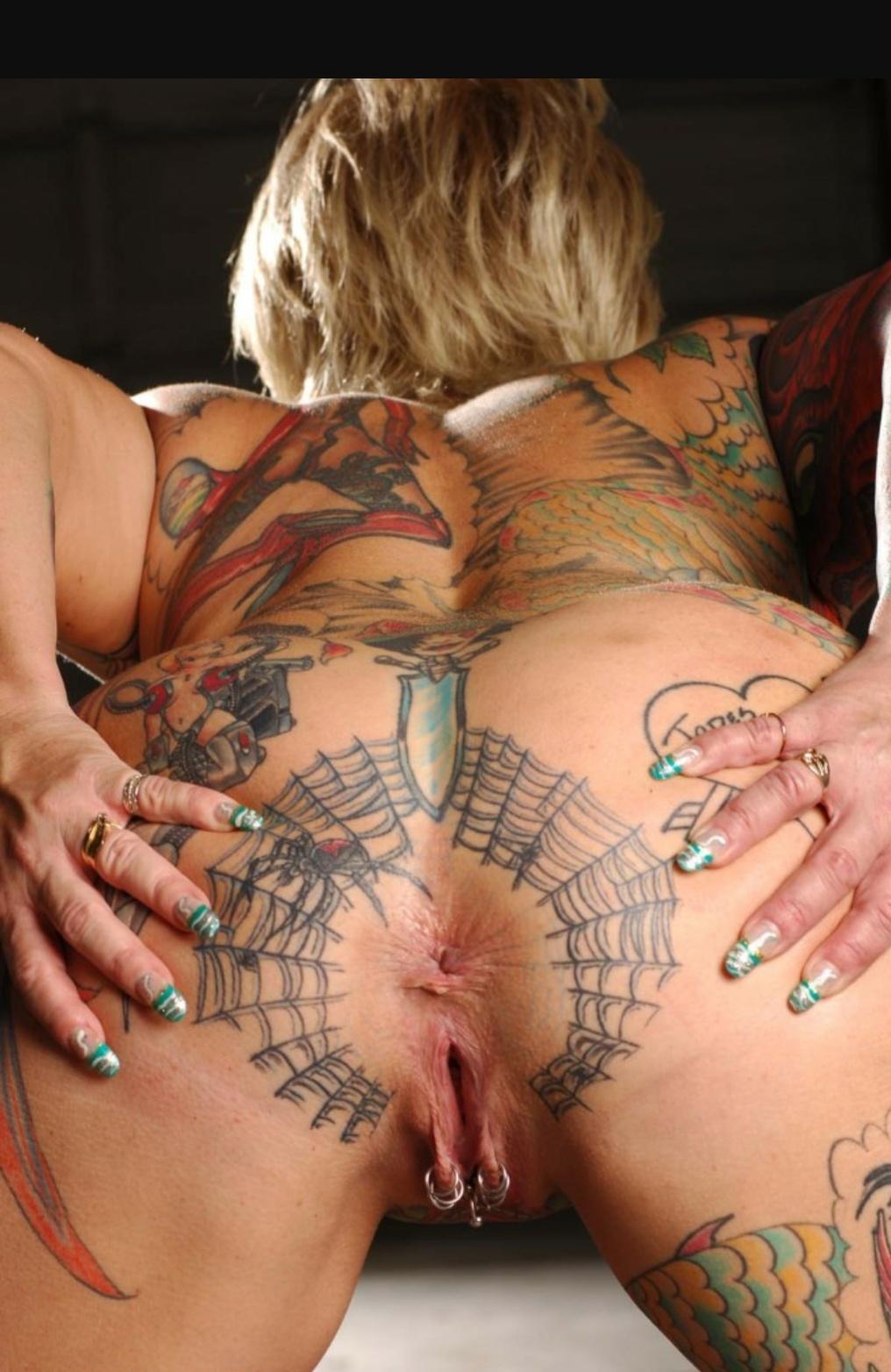 tatuirovka-devushka-seks