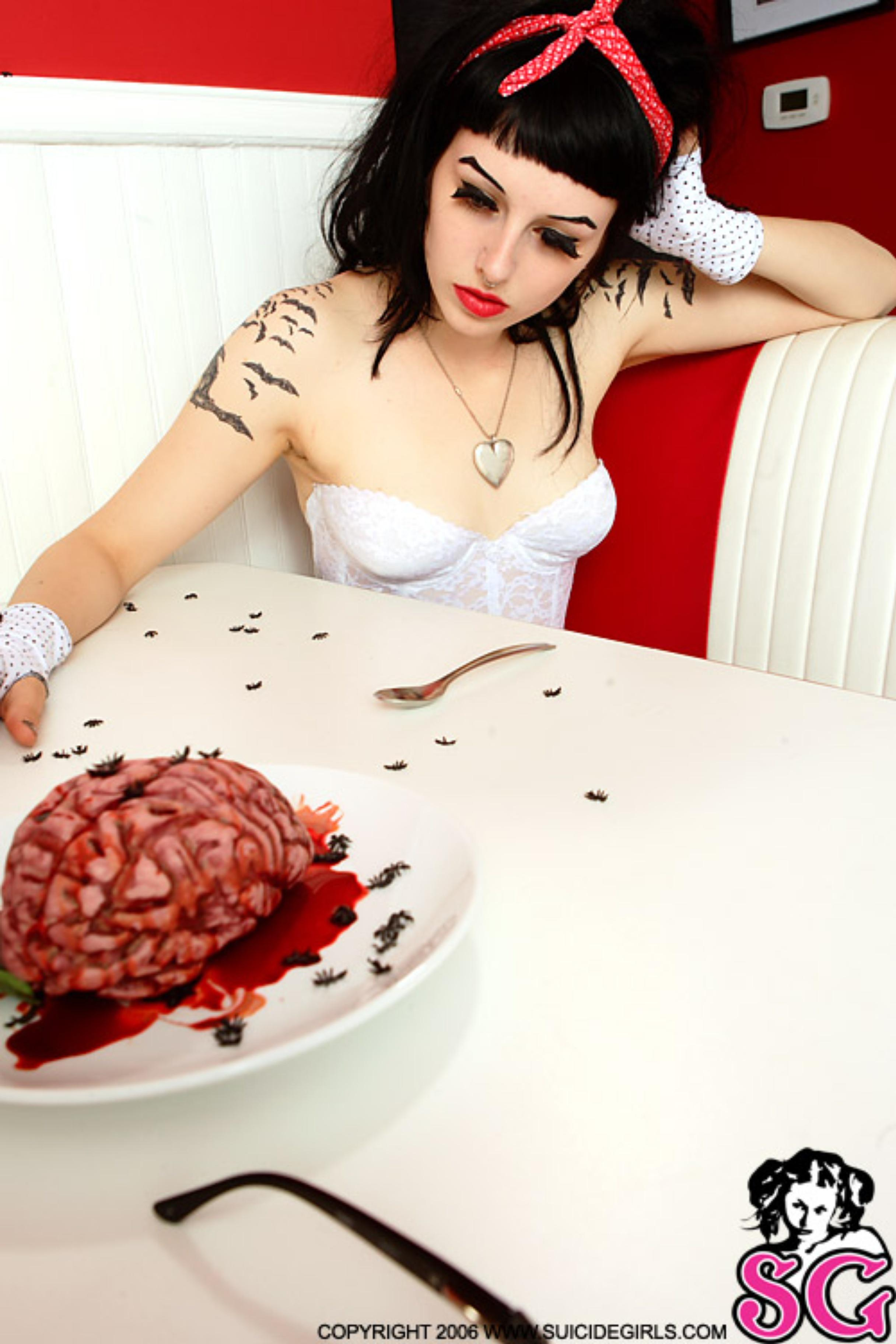 Фото девушек без мозгов