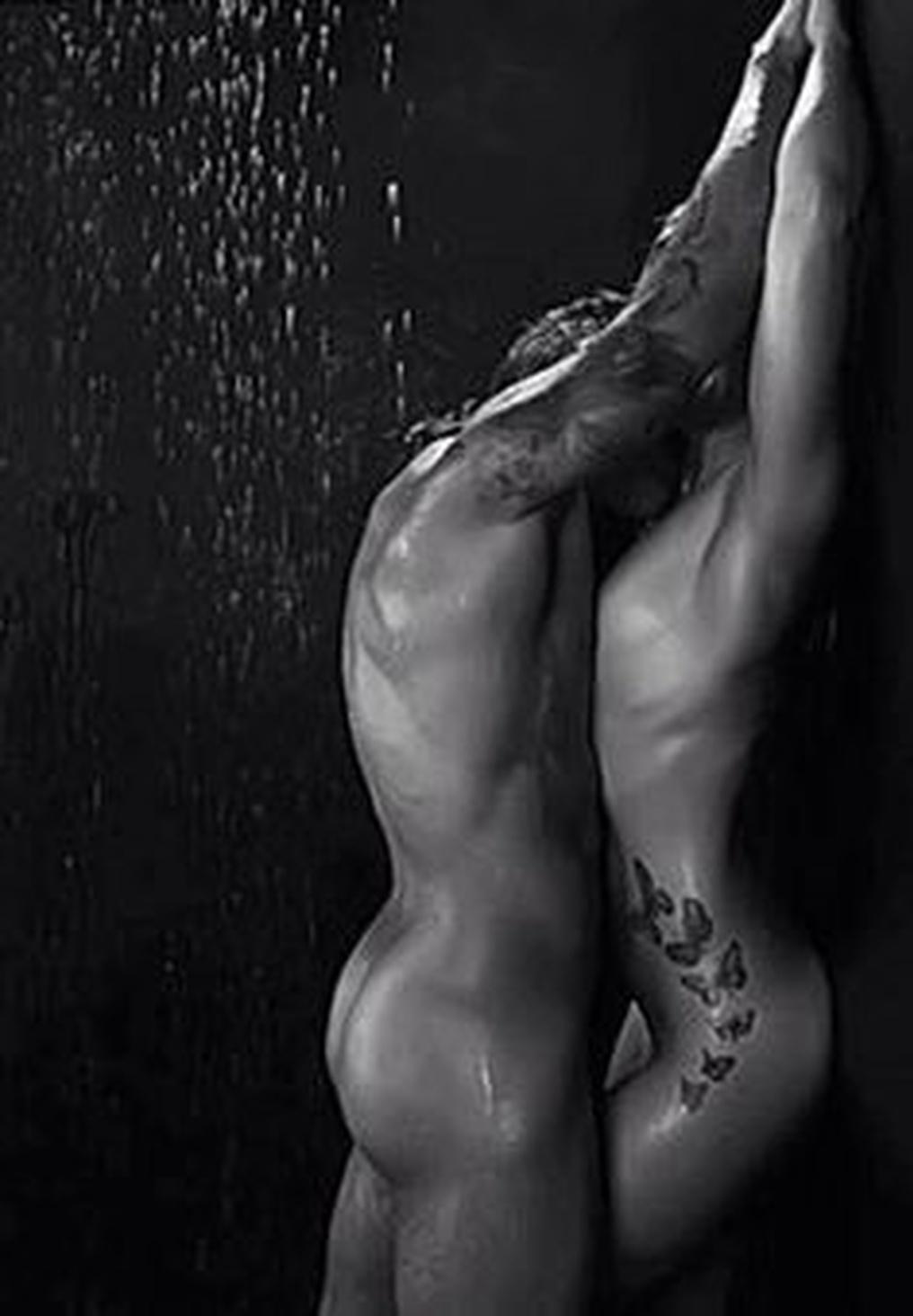 Красивые эротические картинки парень и девушка в душе 5