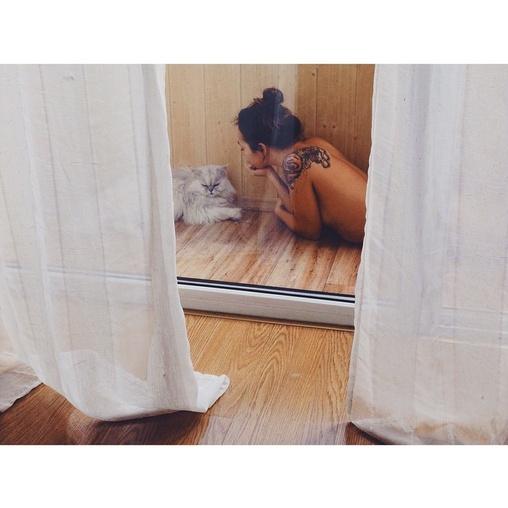 young naked israeli women