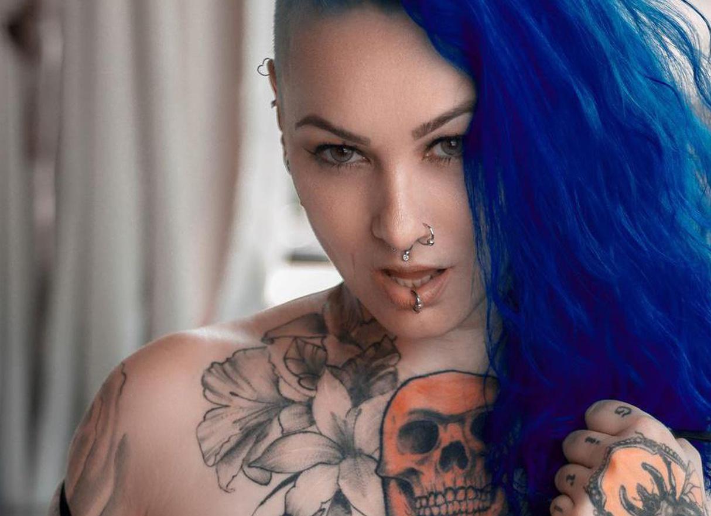 Onyx Photo Album: Siren | SuicideGirls