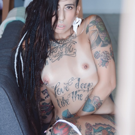 Wonderful Nude Gangster Girl In A Hat And