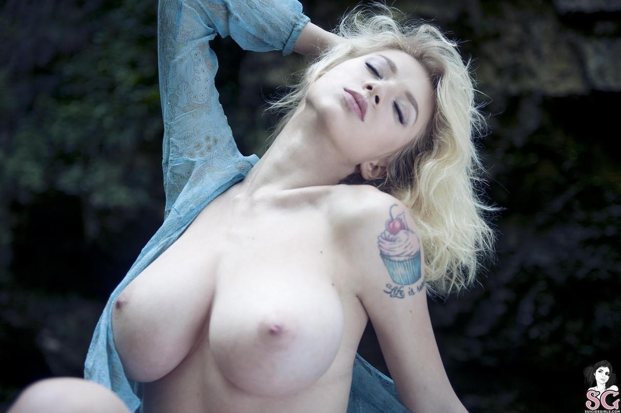 torrie wilson hd nude