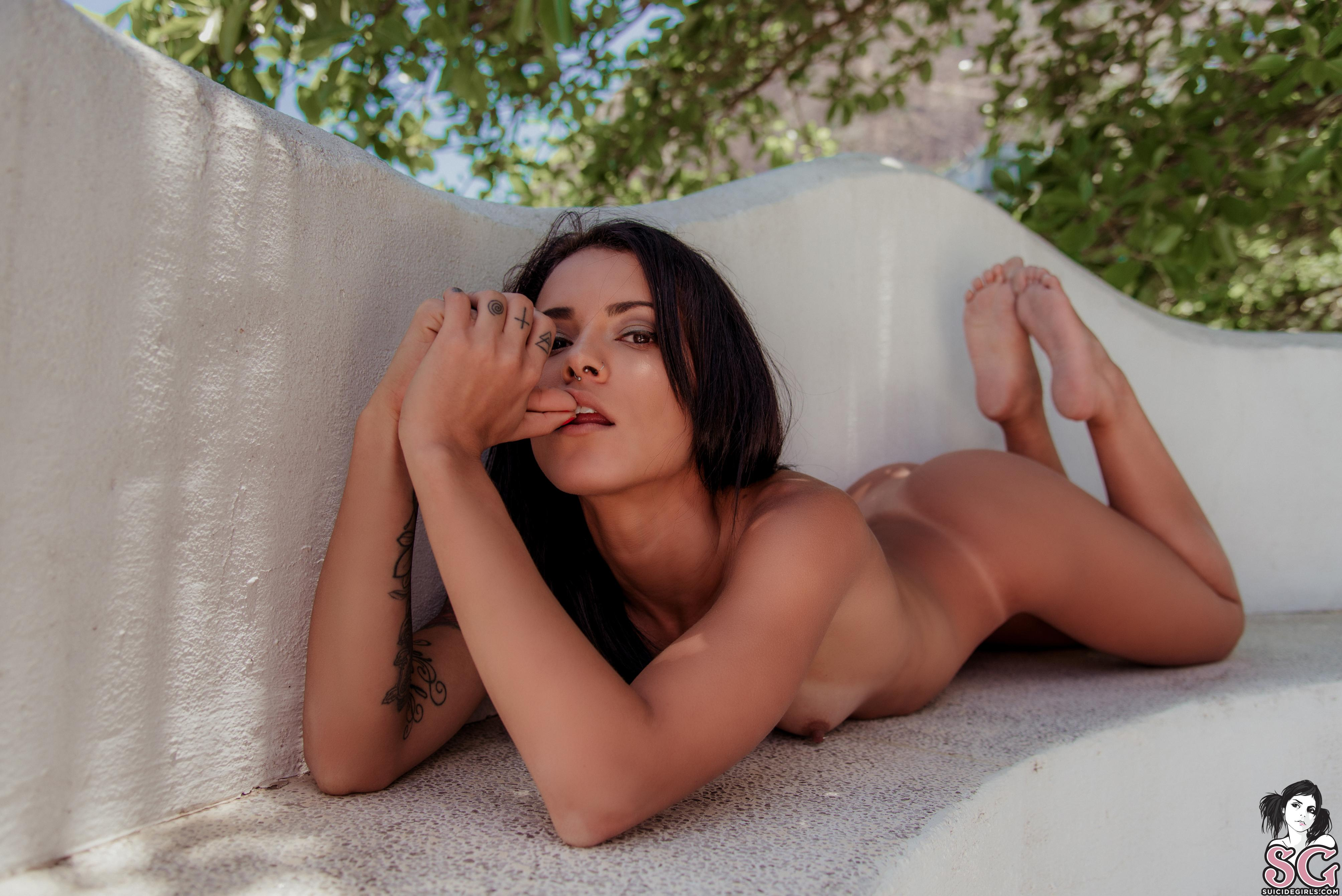 Yusari sg girl nackt