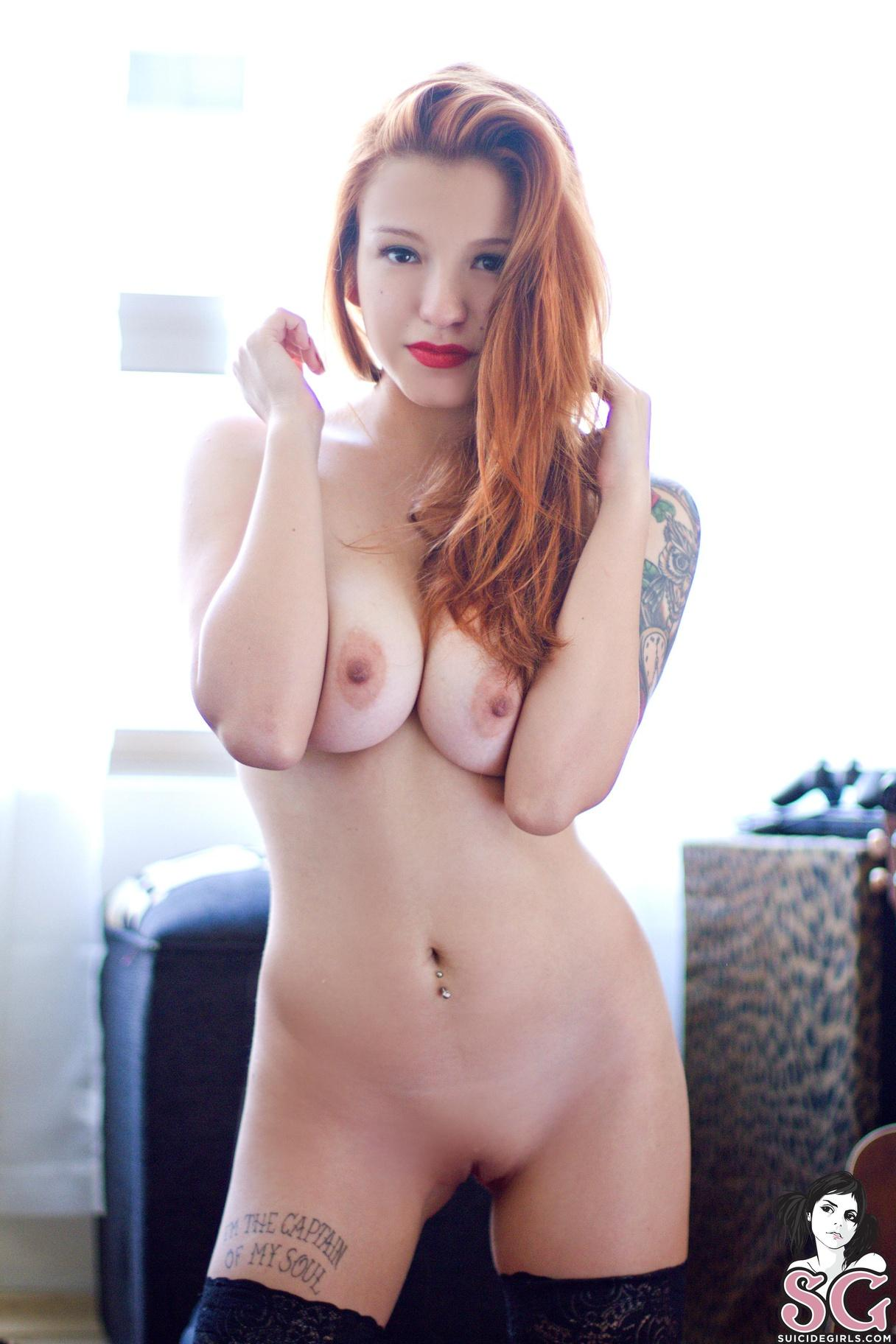 liz vicious naked and uncensored