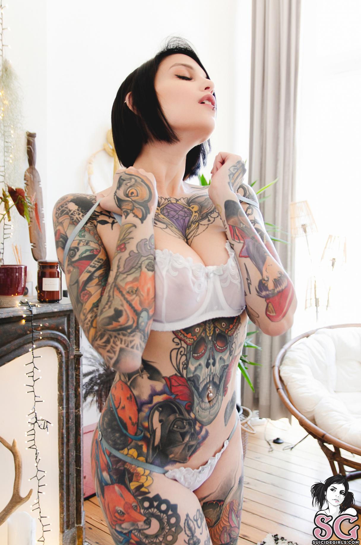 Sg nackt bluedette girl Hot Naked